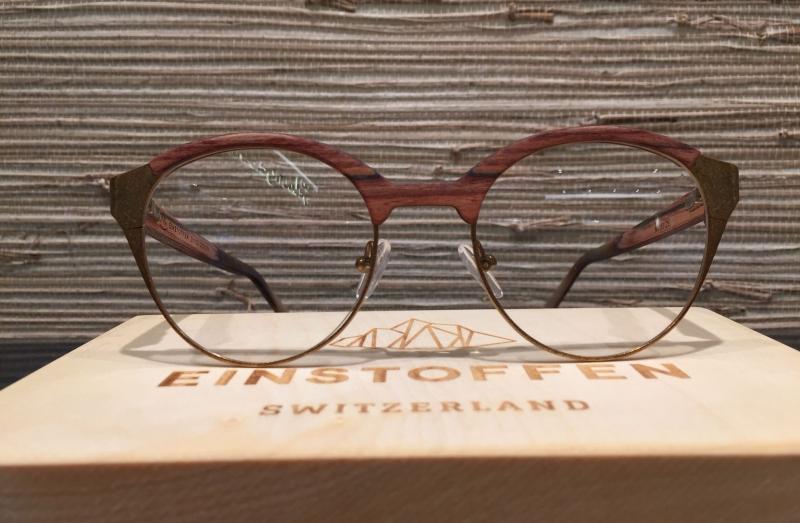 Holzbrillen einSTOFFen Schweiz Naturmaterial Holz Stein Design